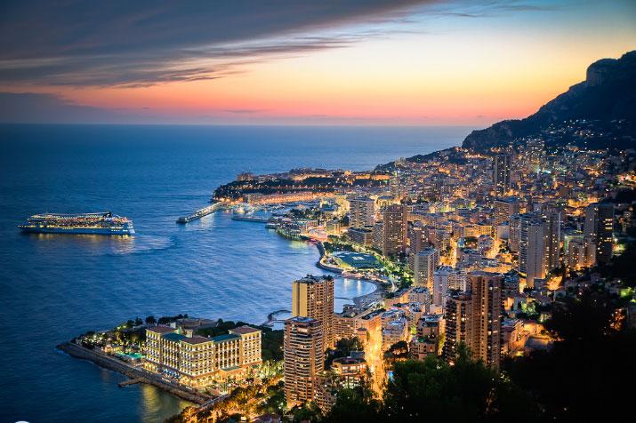 Княжество Монако ночью