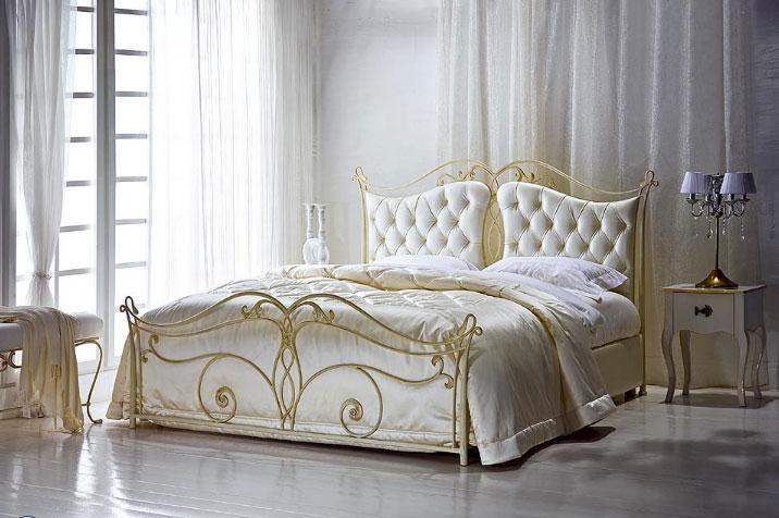 Фото: дизайн спальни, кровать по фен шуй