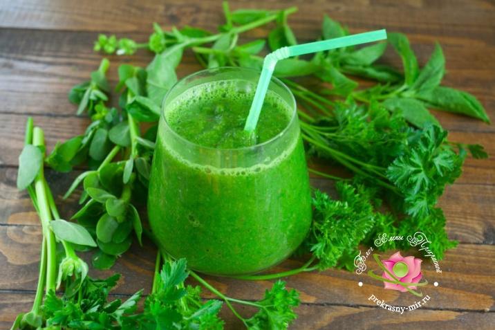 зеленый смузи с базиликом