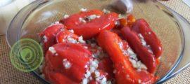 запеченный болгарский перец с чесноком