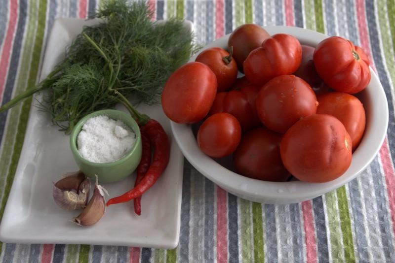 острые соленые помидоры на зиму: продукты для приготовления