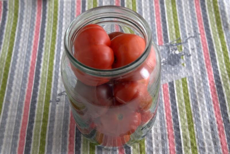 острые соленые помидоры на зиму рецепт в домашних условиях