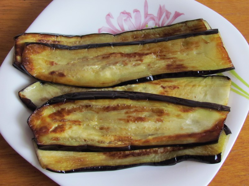 рулетики из баклажанов с орехами рецепт