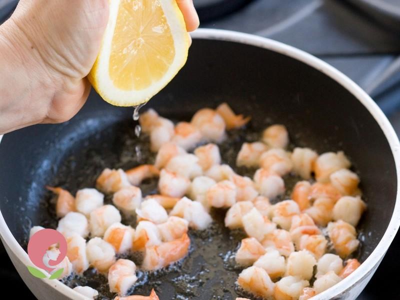 оливье с морепродуктами