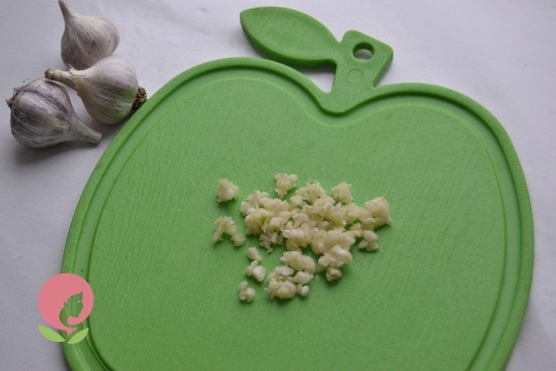 маринованный салат из зеленых помидор рецепт