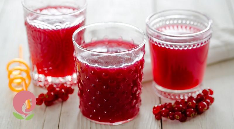 Сок и наливка из красной смородины