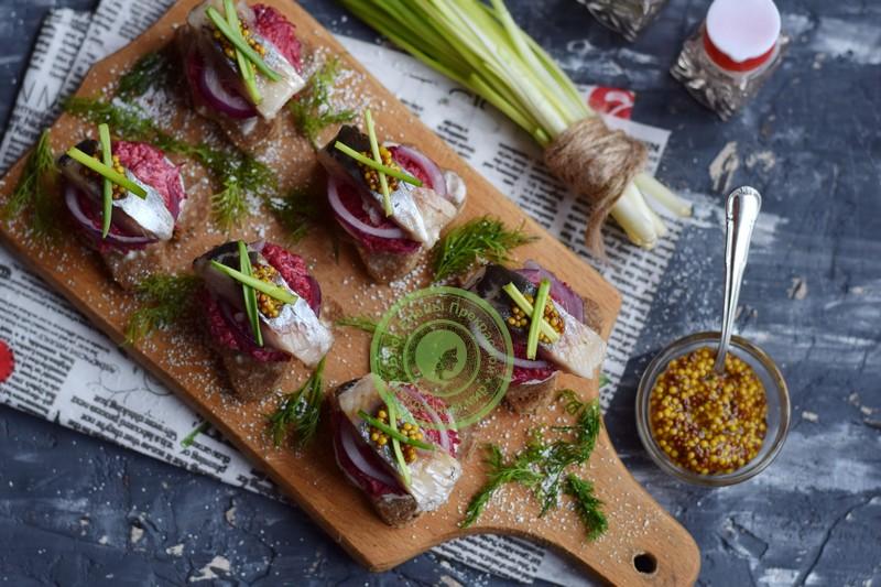 бутерброды с селедкой рецепт на праздничный стол