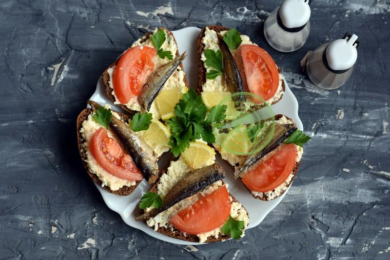 бутерброды со шпротами рецепт на праздничный стол