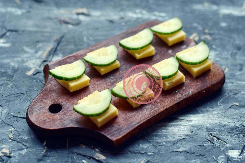 канапе с мидиями и оливками на шпажках рецепт