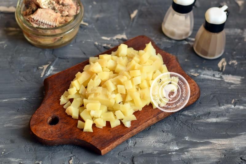 салат с сардиной с масле с горошком рецепт с фото