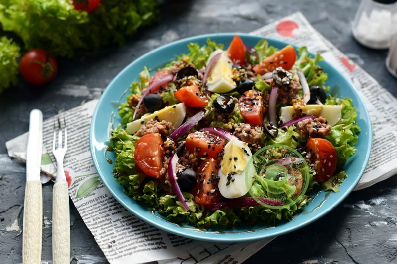 овощной салат с тунцом рецепт в домашних условиях