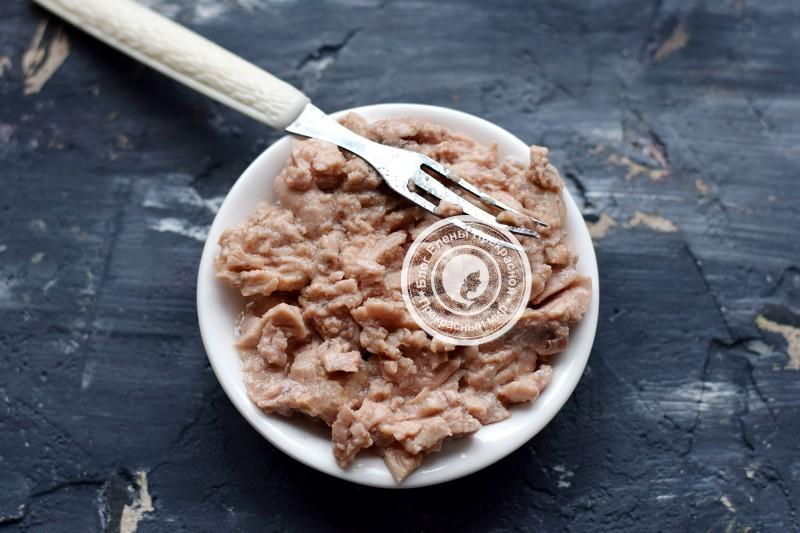 Слоеный салат с печенью трески рецепт на новый год