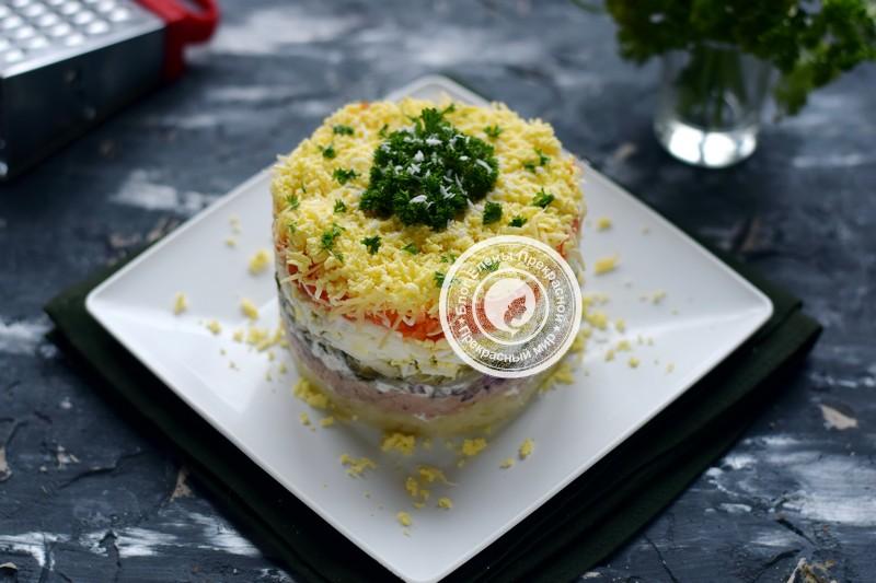 Слоеный салат с печенью трески рецепт на праздничный стол
