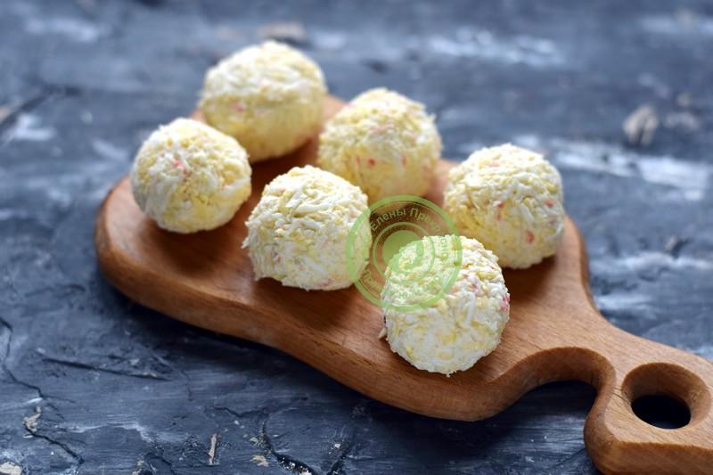 закуска в виде шариков Новогодние снежки рецепт на новый год