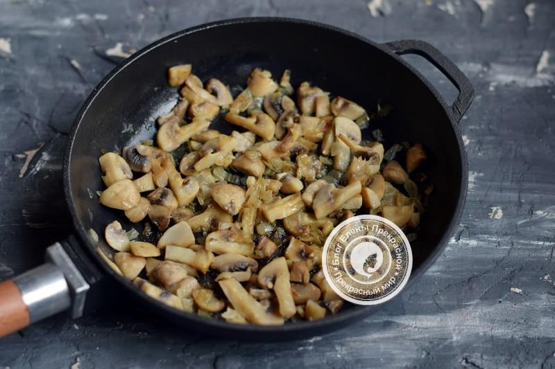 Теплый салат с говядиной, грибами и гранатом рецепт на праздничный стол