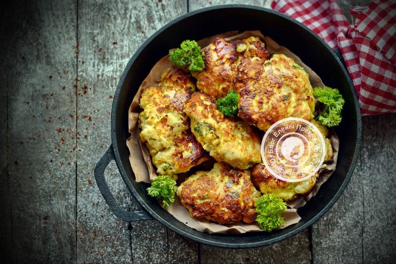 Рубленные куриные котлеты с сыром на праздничный стол: рецепт в домашних условиях
