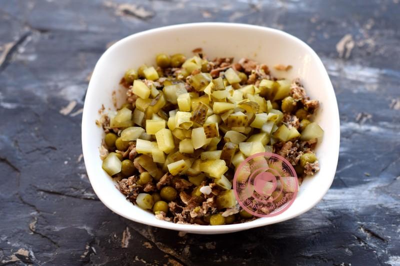 постный салат со шпротами рецепт с фото
