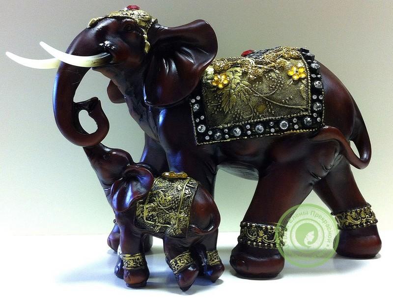 Статуэтка слона с хоботом вверх по фен шуй