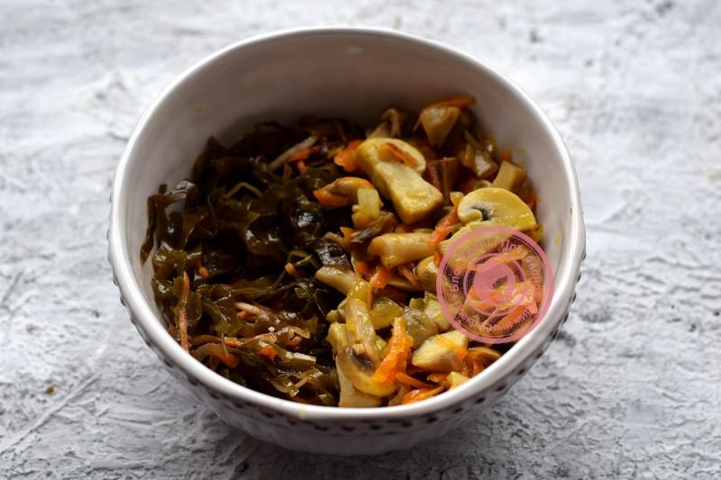 салат из морской капусты с грибами рецепт в домашних условиях