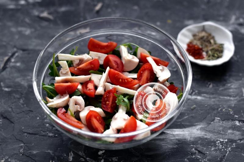 салат с рукколой и сырыми шампиньонами рецепт с фото