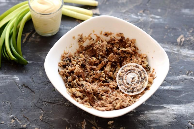 слоеный салат со шпротами рецепт