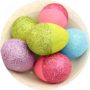 блестящие пасхальные яйца