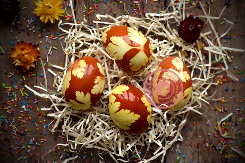 Натуральная покраска яиц луковой шелухой в домашних условиях