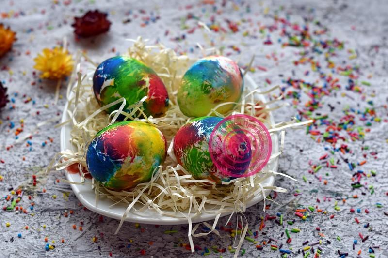 как покрасить яйца салфетками рецепт в домашних условиях