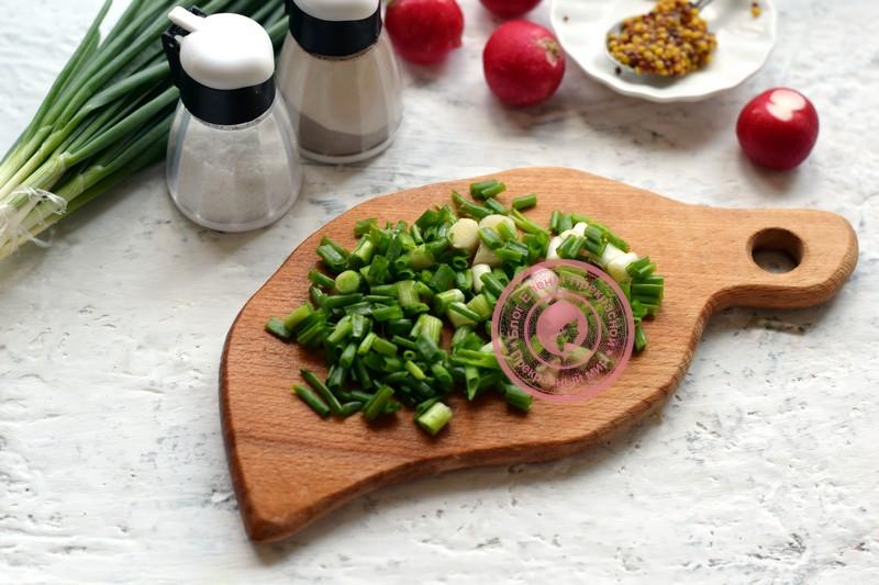 салат из щавеля с яйцом и редисом рецепт в домашних условиях