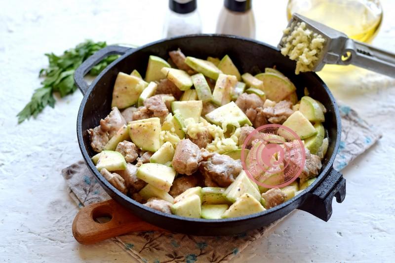 индейка с кабачками в духовке рецепт в домашних условиях