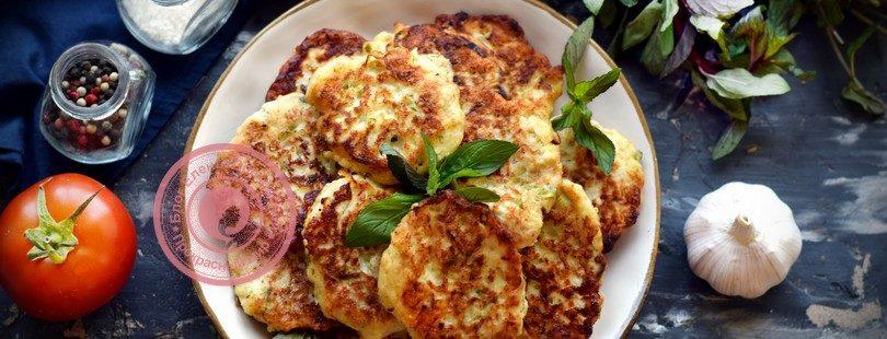 Кабачковые оладьи с фаршем на кефире: рецепт в домашних условиях