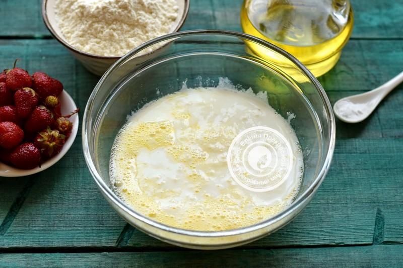 оладьи с клубникой на кефире рецепт
