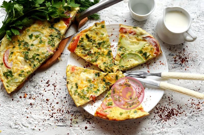 омлет с кабачками, помидорами и зеленью рецепт в домашних условиях