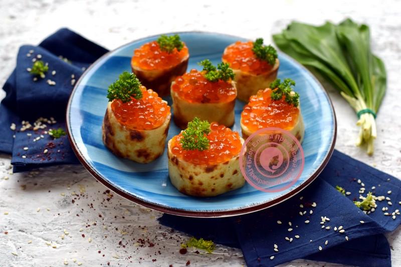 Закуска из блинов и красной икры рецепт в домашних условиях