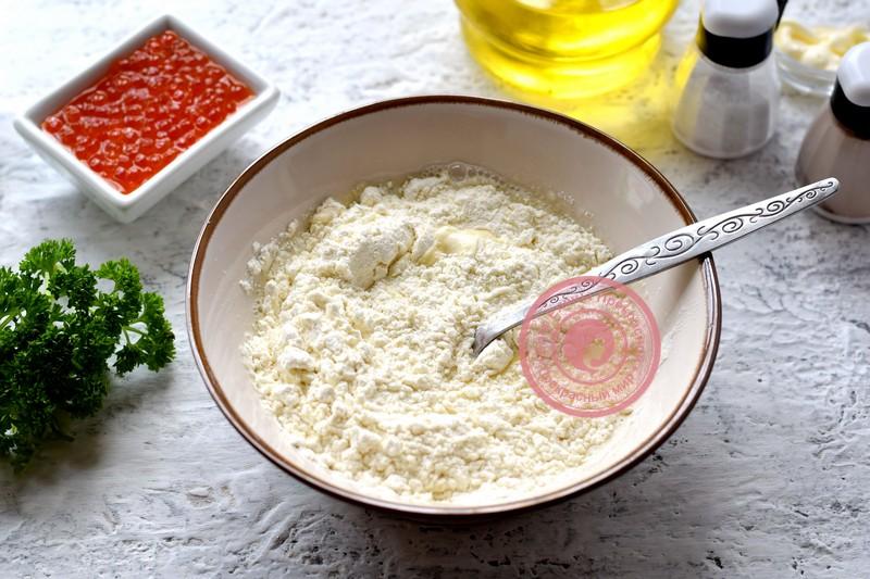 Закуска из блинов и красной икры рецепт