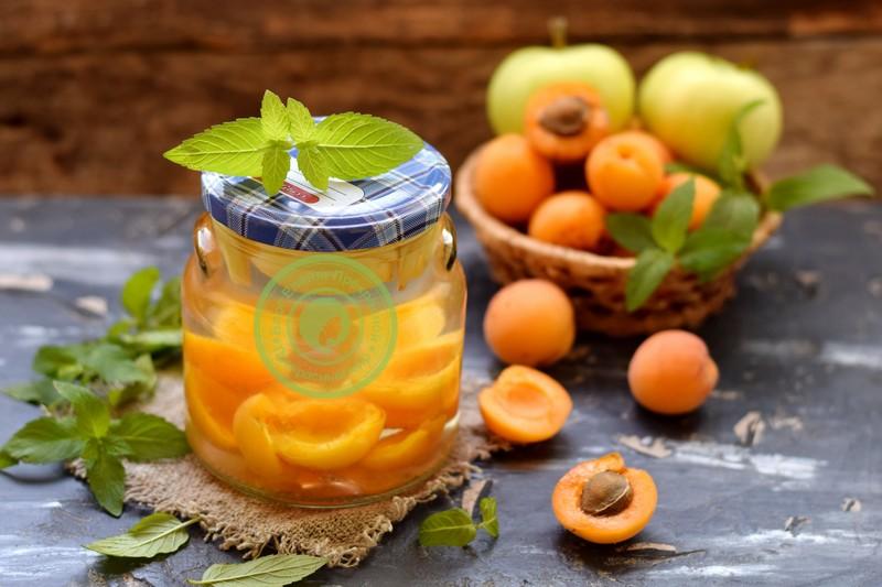 Компот из абрикос и яблок на зиму: пошаговый рецепт в домашних условиях