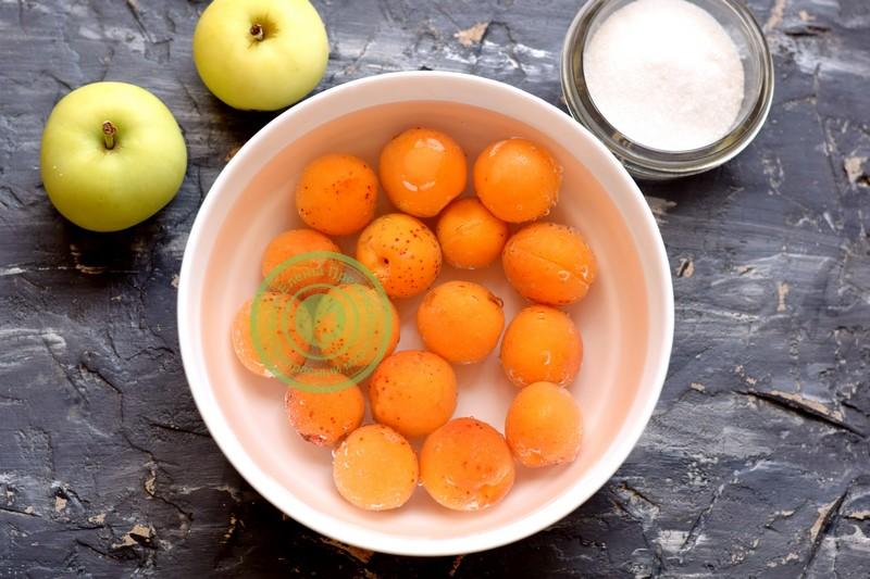 компот из абрикос и яблок на зиму рецепт