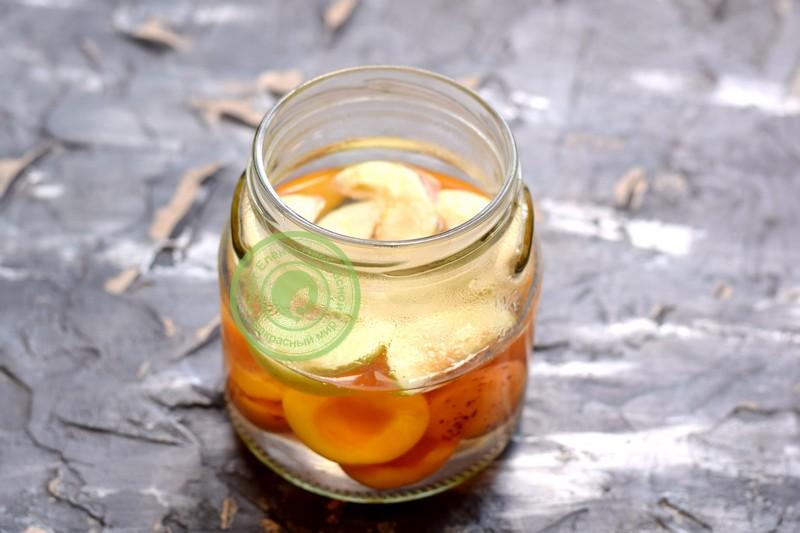 компот из абрикос и яблок на зиму рецепт в домашних условиях