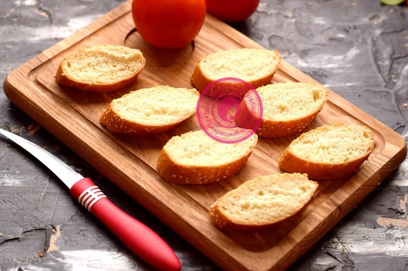 бутерброды с курицей, яйцом и помидорами рецепт с фото