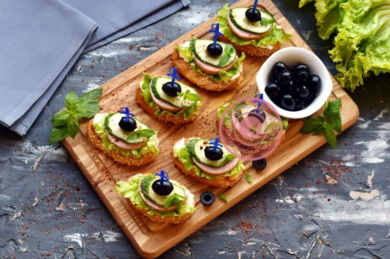 Бутерброды с ветчиной на праздничный стол: фото рецепт в домашних условиях