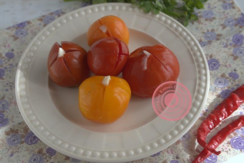как приготовить малосольные помидоры с чесноком и петрушкой рецепт