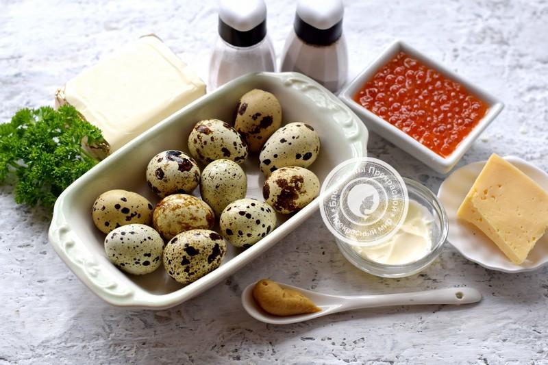 Закуска с перепелиными яйцами, сырной начинкой и икрой