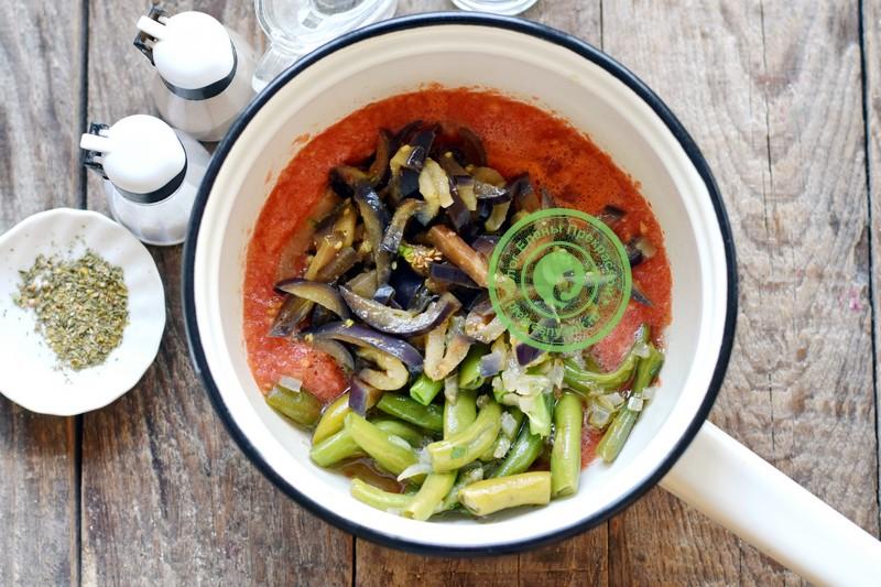 Баклажаны со стручковой фасолью в томатном соусе на зиму рецепт в домашних условиях