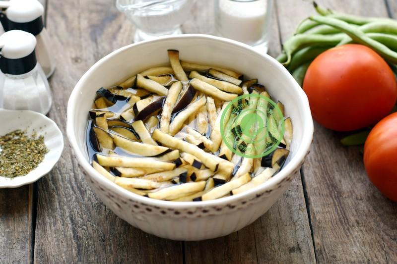 Баклажаны со стручковой фасолью в томатном соусе на зиму рецепт с фото