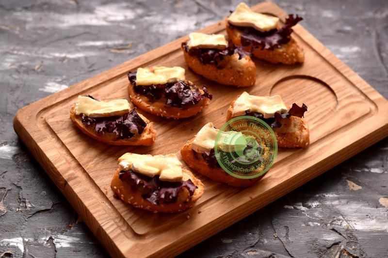 бутерброды с сыром камамбер рецепт с фото