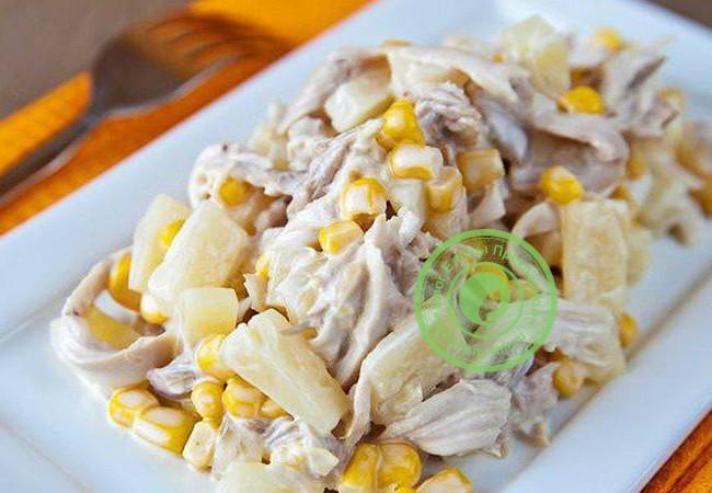 оригинальный салат с курицей