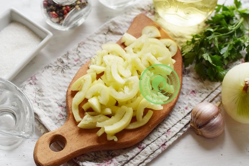 Маринованный овощной салат ассорти