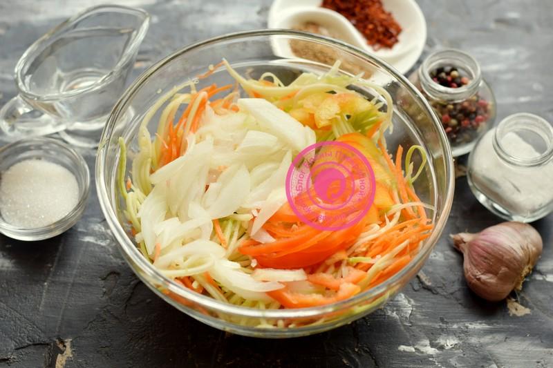 Салат из кабачков и перца по-корейски рецепт с фото