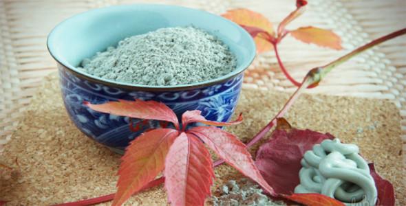 Миниатюра к статье Голубая косметическая глина: для проблемной кожи, от прыщей и от целлюлита!